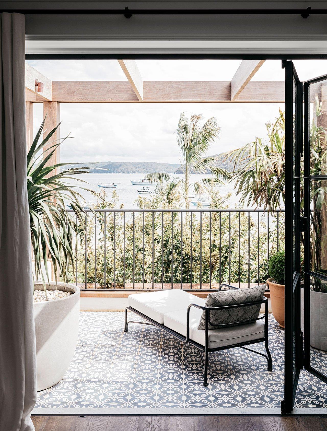 alexander-and-co-palm-beach-house-sydney-australia-15.jpg