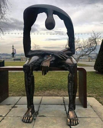 This photo is called Melancholy. And it is heartbreakingly beautiful. The artwork created by Albert György (living in Switzerland, but born in Romania) can be found in Geneva in a small park on the promenade (Quai du Mont Blanc) along the shore of Lake Geneva.