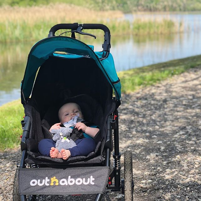 Aaaaaaand he's in! I've been eyeing up running buggies since first discovering I was preggers and now that Ot's has enough control over his big round head, we're off. Even the sun has come out to celebrate🥳 . Having the freedom to go for a run WHENEVER has already put a spring in my step💃🏻coupled with all the wonderful comments on my previous race post, I'm feeling more like me every day☺️#runbecauseyoucan . Three months until the World Transplant Games. 😳 . . . . #5monthspostpartum #buggyrunning #getoutside #runmummyrun #runningmummy #postpartumfitnessjourney #recoveryjourney #runtraining #transplantrecipient #transplantlife