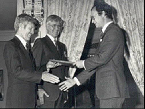 Karl Erik Eriksson with King of Sweden.jpg