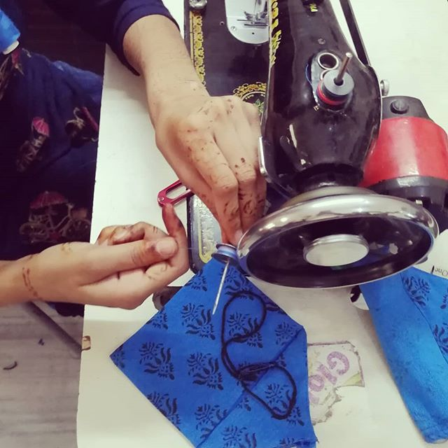 Putting the finishing touches on our custom block print khadi pouches this afternoon. The fabric we use is vegetable dyed with hand made tassels. The block print pattern is hand. Locked by the ladies working with @khushbubrand #slowfashiom #small #partners #ngo #delhi #china #tassle #love #handmade #blockprinting #khadi #handloom #sustainable #sustainableliving #pouches #teamwork #blue #eco #ecofriendly