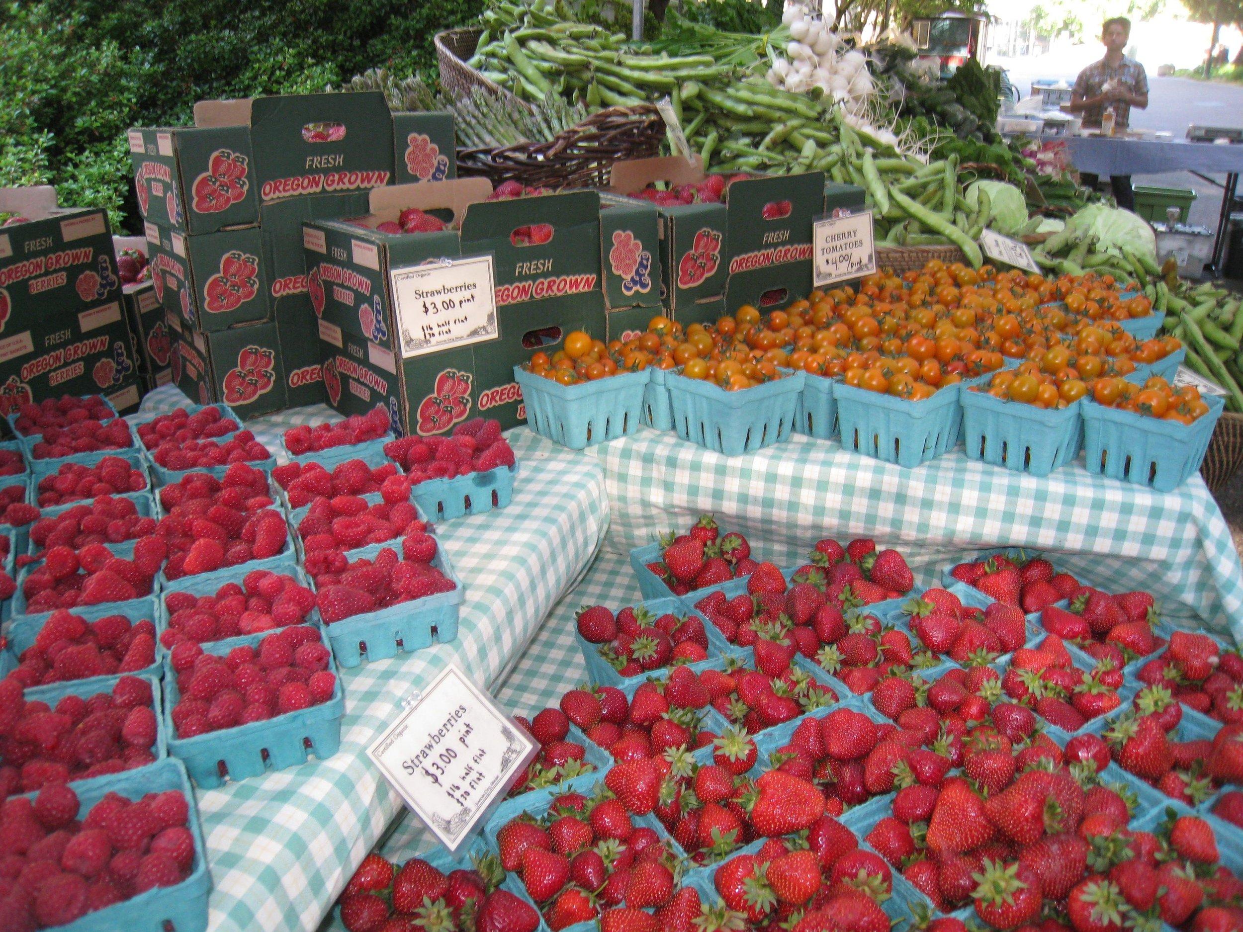 berries at market.jpg