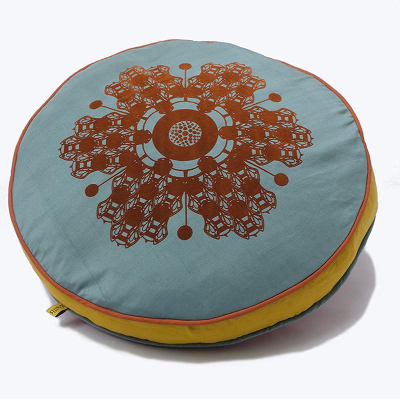Older flocked bee flower round box cushions
