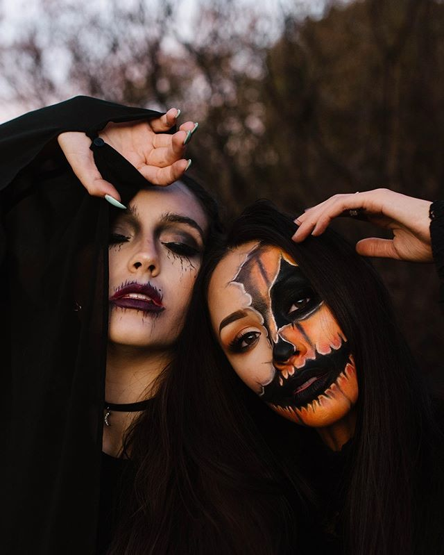 Must be the season of the witch 🕷 👻 🎃  HAPPY OCTOBER FIRST EVERYONE! Let the spooky festivities begin 🖤