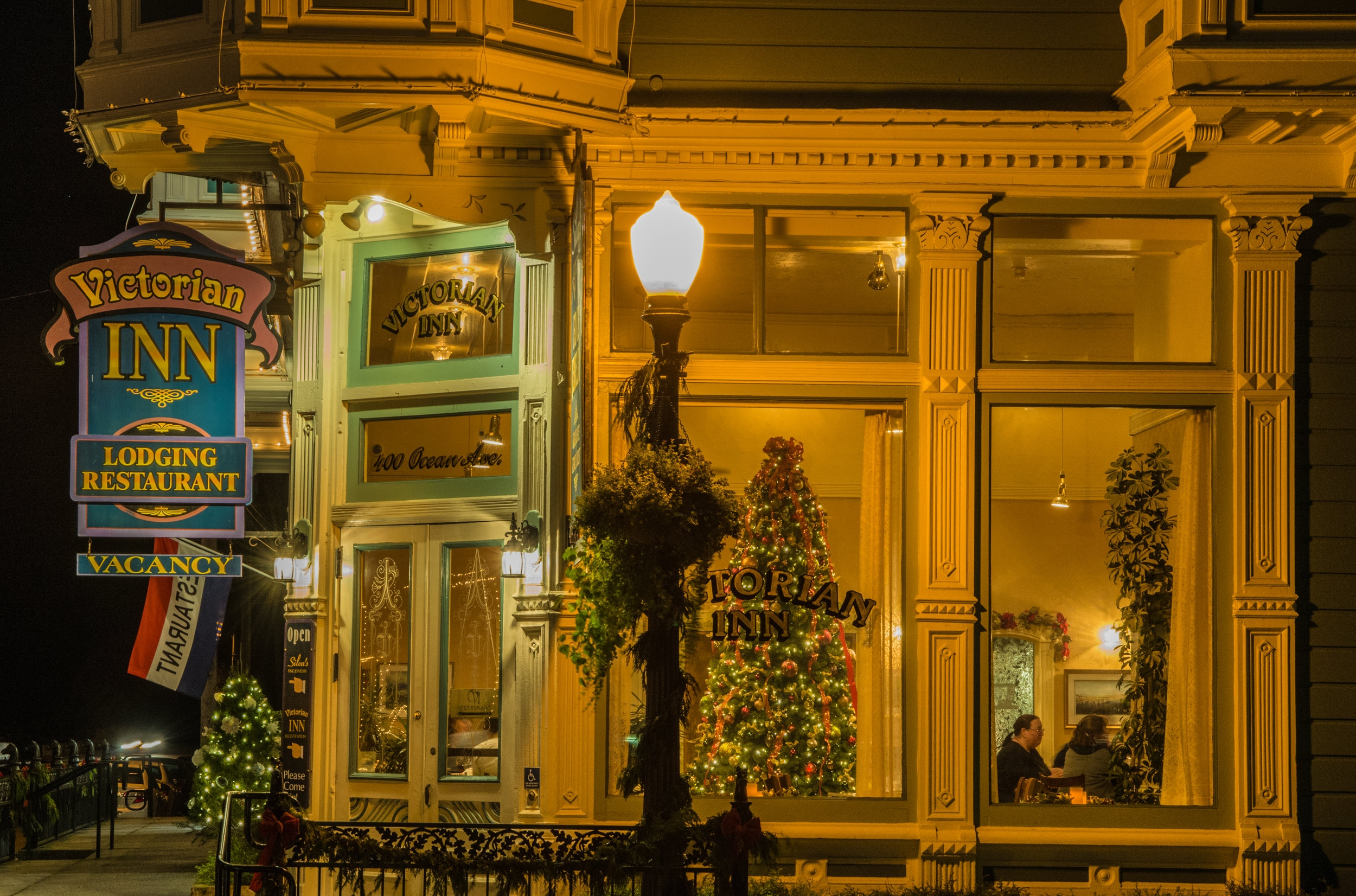 VI Restauant and the Victorian Inn   Ferndale CA