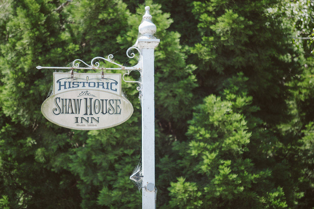 Historic Shaw House Inn Sign in Ferndale CA