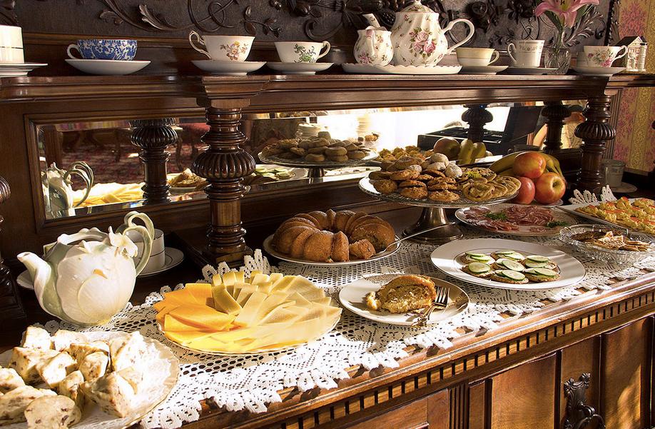 Gingerbread Mansion Afternoon Tea   Ferndale CA