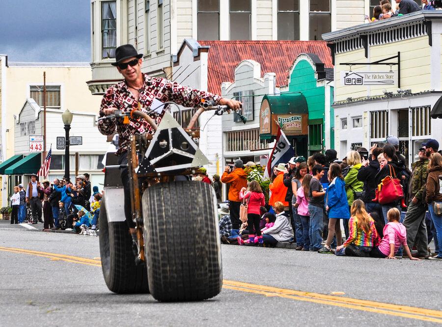 Kinetic Sculpture Race Spectators in Ferndale CA.jpeg