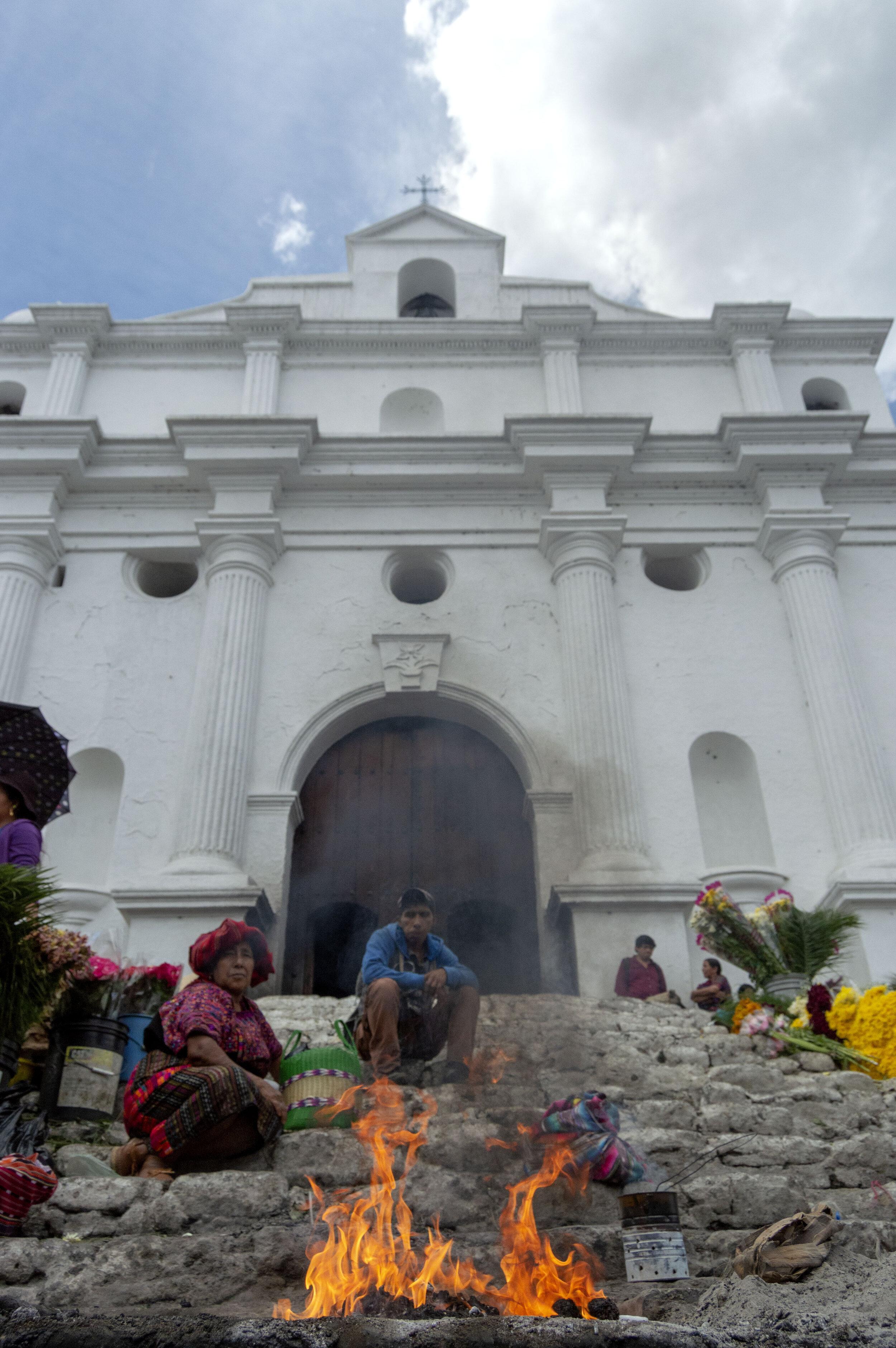Chichi Iglesia Sto. Tomas 3.jpg
