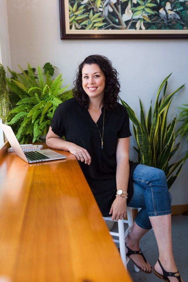 Meet your hostess - Lindsay Page - Tech mentor + marketing strategist