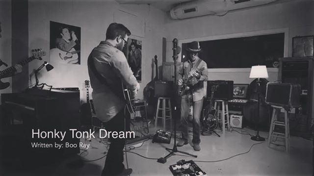 'Honky Tonk Dream' just released as the next video from @onemicseries recorded live at @thelegendarysunstudio in #memphis by Producer #JohnCuniberti @youtube LINK IN STORY . . . . . #liverecording #livevideo #onemicseries #sunstudio #sunstudiomemphis  #tennessee #singersongwriter #americanamusic #atlcountry #rootsmusic #troubadour #booray #honkytonkdream #tennesseealabamafireworks
