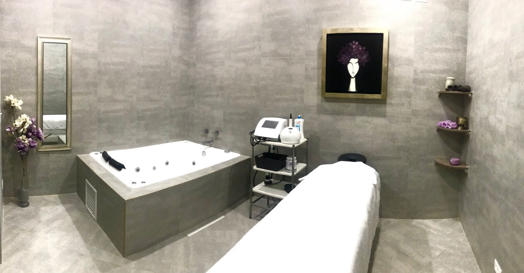 Fisio-Spa - Las ventajas de un masaje relajante, descontracturante o deportivo realizado con verdaderos profesionales en salud!No te pierdas la oportunidad de probar nuestra tina de hidramasaje, la cual cuenta con jets regulables, cromoterapia y aromaterapia.