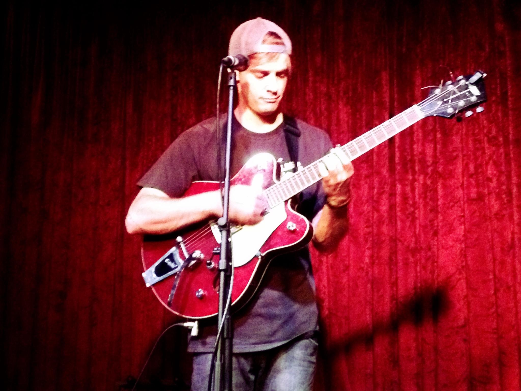 guitar_red drop.jpg
