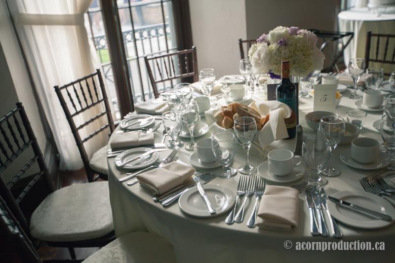 30-wedding-reception-table-setup