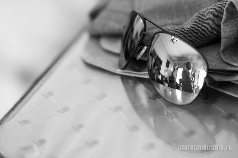 32-wedding-guest-reflection-sunglasses