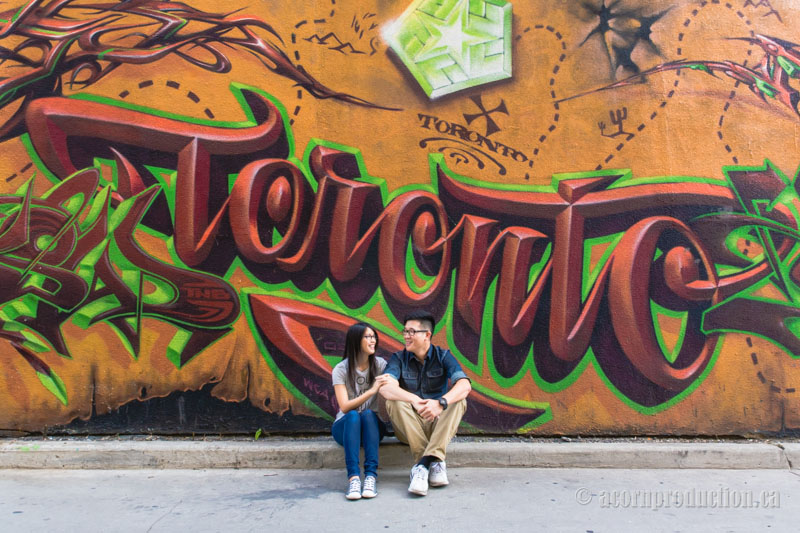01-Toronto-Graffiti-Alley