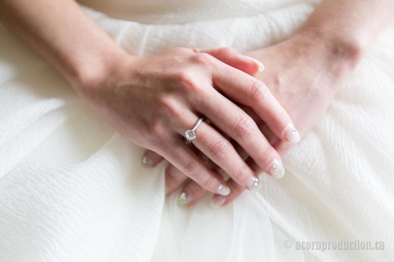 07-bride-manicure