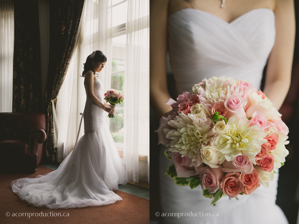 08-bride-holding-gorgeous-wedding-bouquets