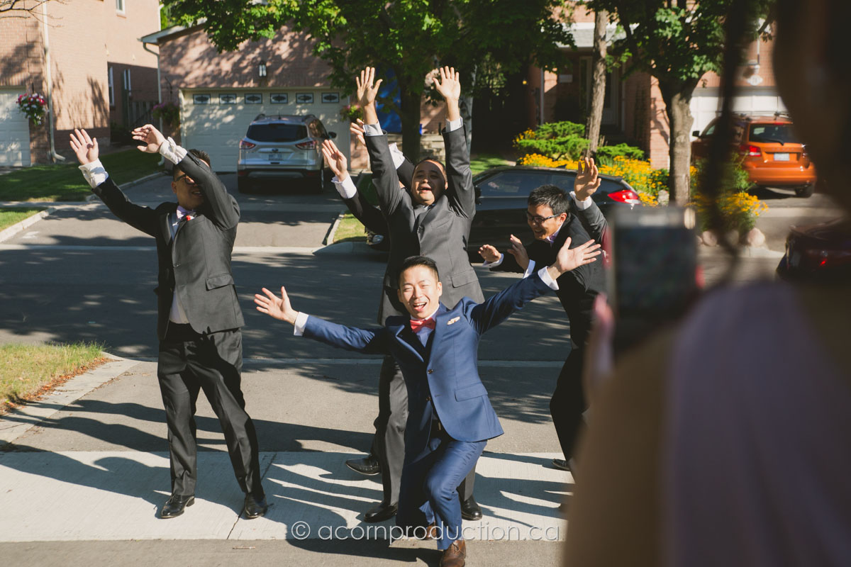 chinese-wedding-groomsmen-posing