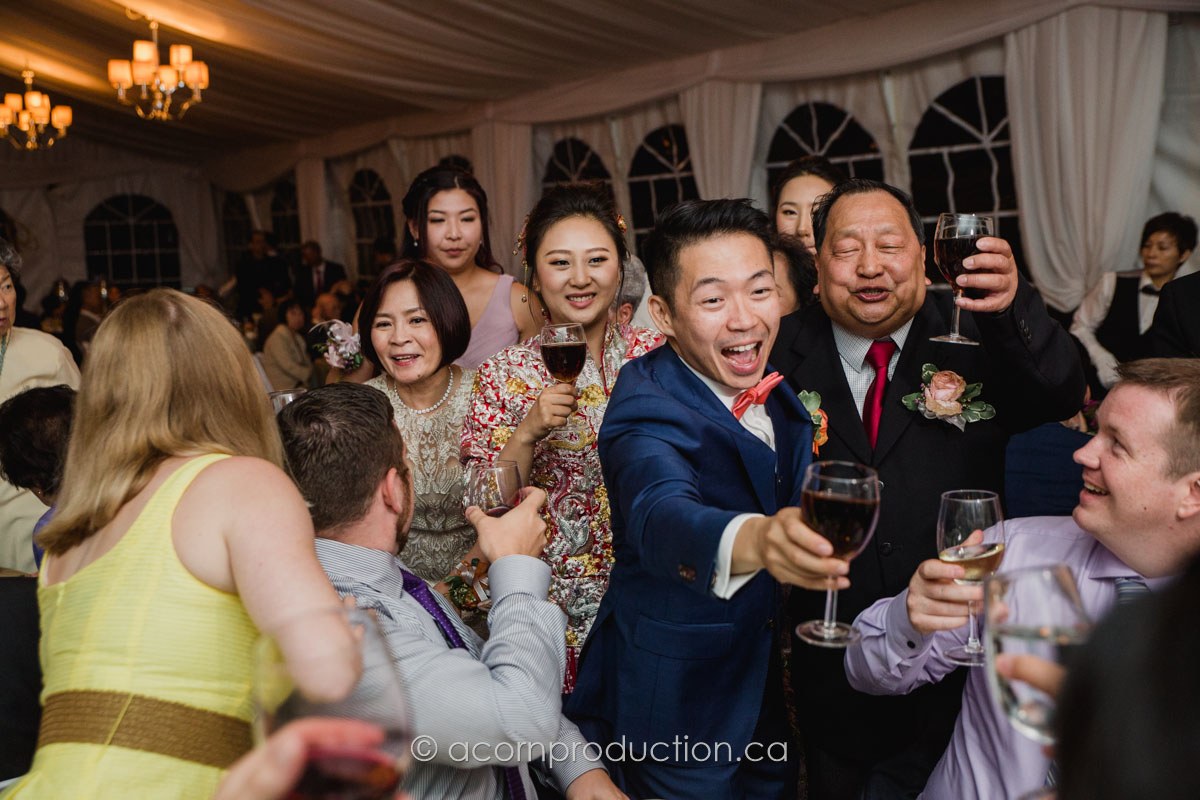 chinese-wedding-table-toasting