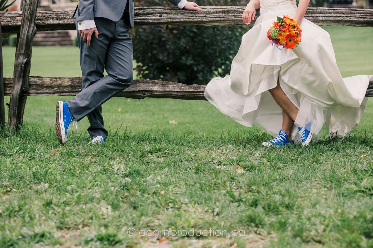 wedding-couple-wearing-blue-converse