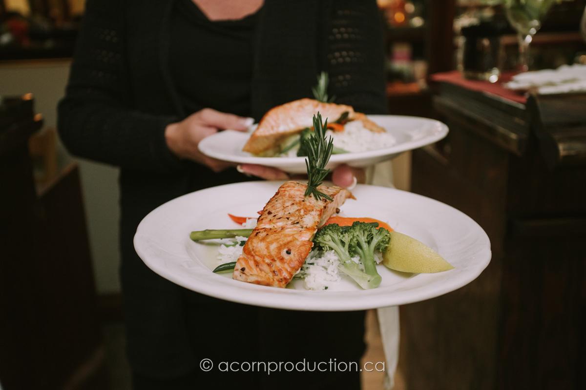 terra-cotta-inn-salmon-dish