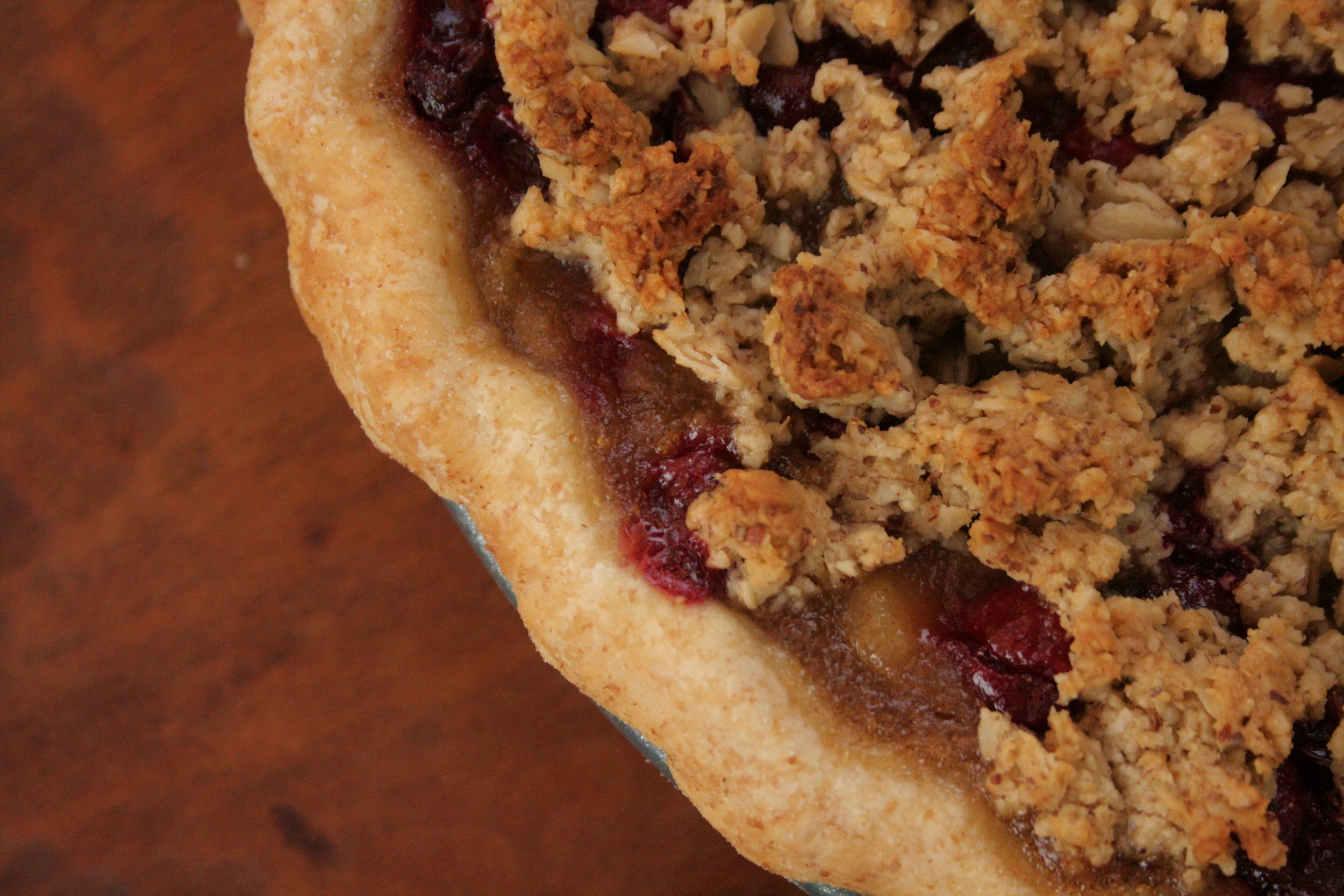 Pear Cranberry Pie 2.jpg