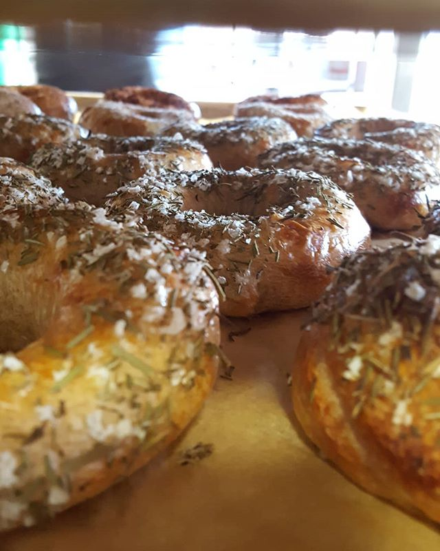 Stock up! Dis you read this week's newsletter? Good! Then you know we are going to be on SUMMER BREAK starting in June. That means you have a few more weeks to enjoy and stock up on your Bakeshop favoritee. #bagels #sourdough #bakeshop #csb #rosemaryseasalt #breakfastofchampions #bakeshopca #eastbayeats