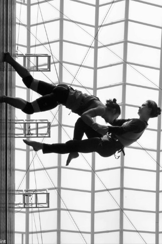 Aerial Harness Dance Duet at 90 feet, Kimmel Center Philadelphia, PA, with Grounded Aerial and Bennie Oyzon Photo by Rocky Ryan