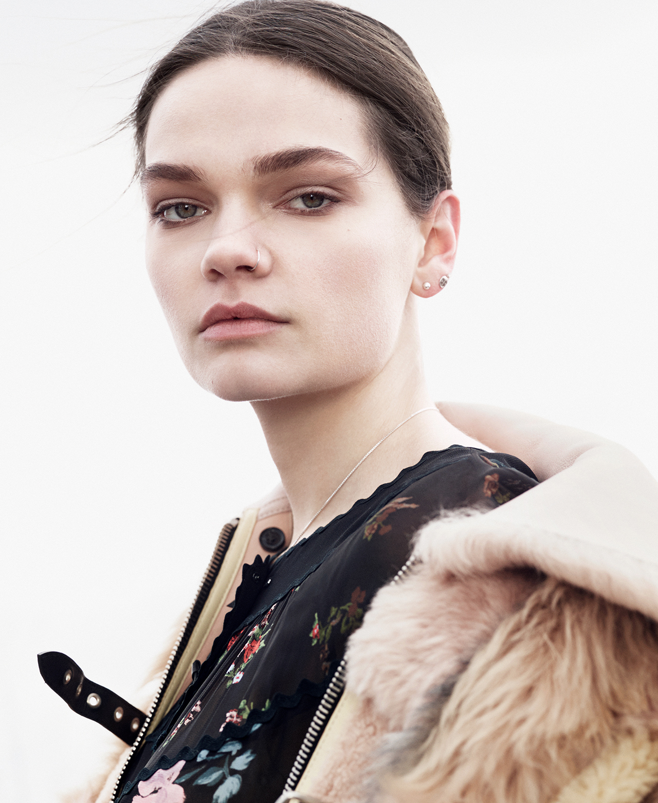 T MAGAZINE | SINGAPORE | COACH | ROBERT HAMADA | CAITIE GREENE |