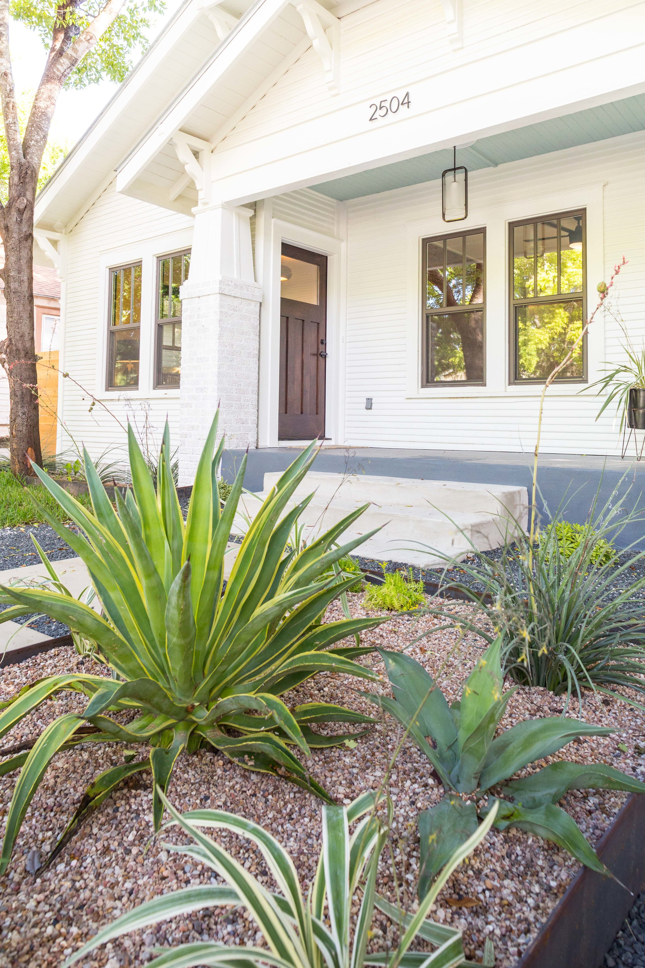 2504_WillowA_-_East_Austin_Bungalow_with_Modern_Addition_-_Holly_neighborhood-9760[1].jpg