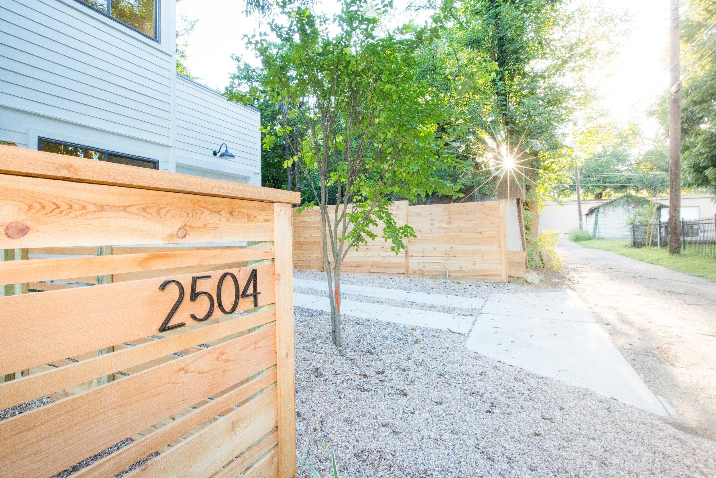 2504_WillowB_-_East_Austin_Alley_House_Modern_Cottage-9662[1].jpg