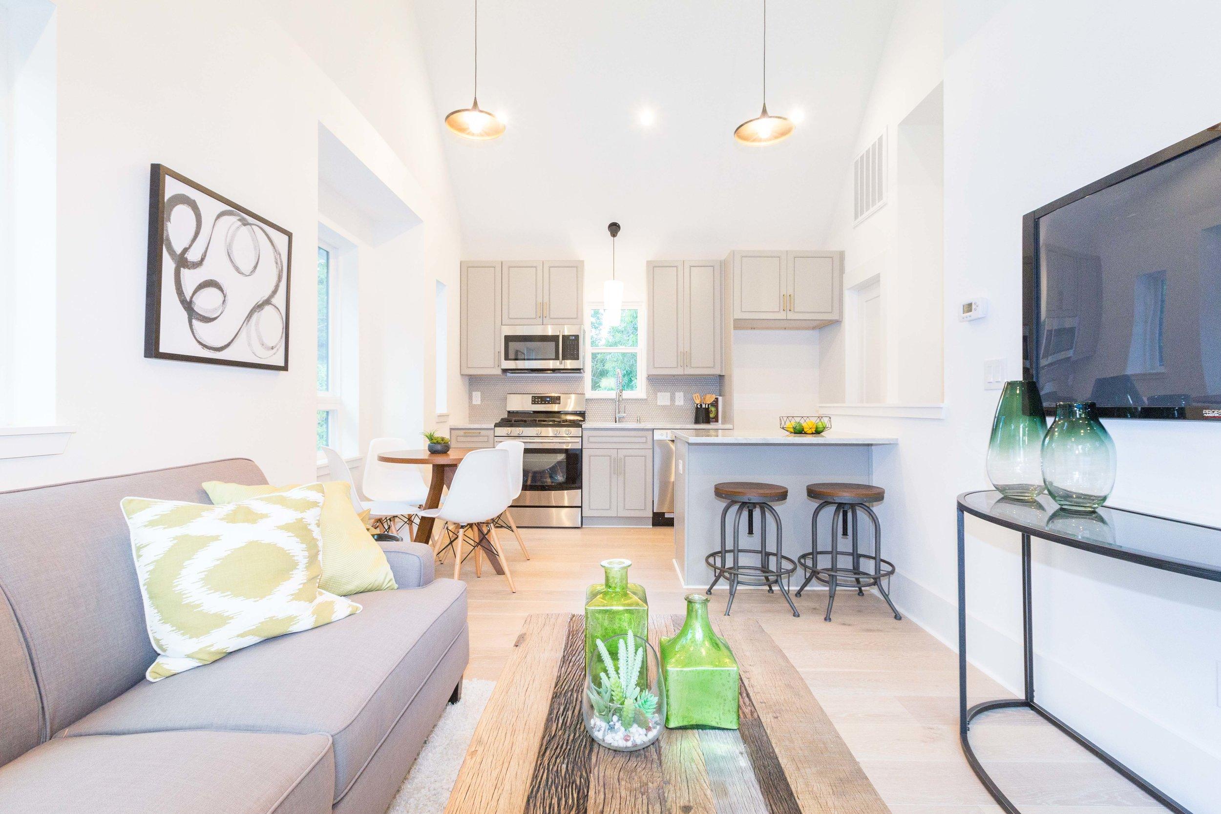 2504_WillowB_-_East_Austin_Alley_House_Modern_Cottage-9692[1].jpg
