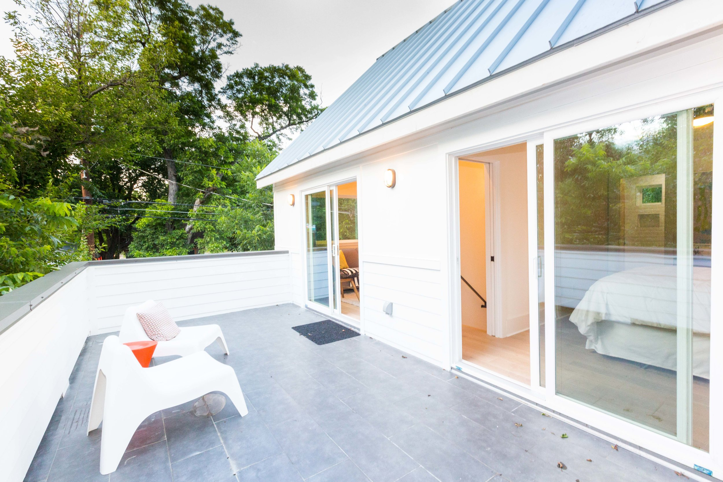 2504_WillowB_-_East_Austin_Alley_House_Modern_Cottage-9729[1].jpg