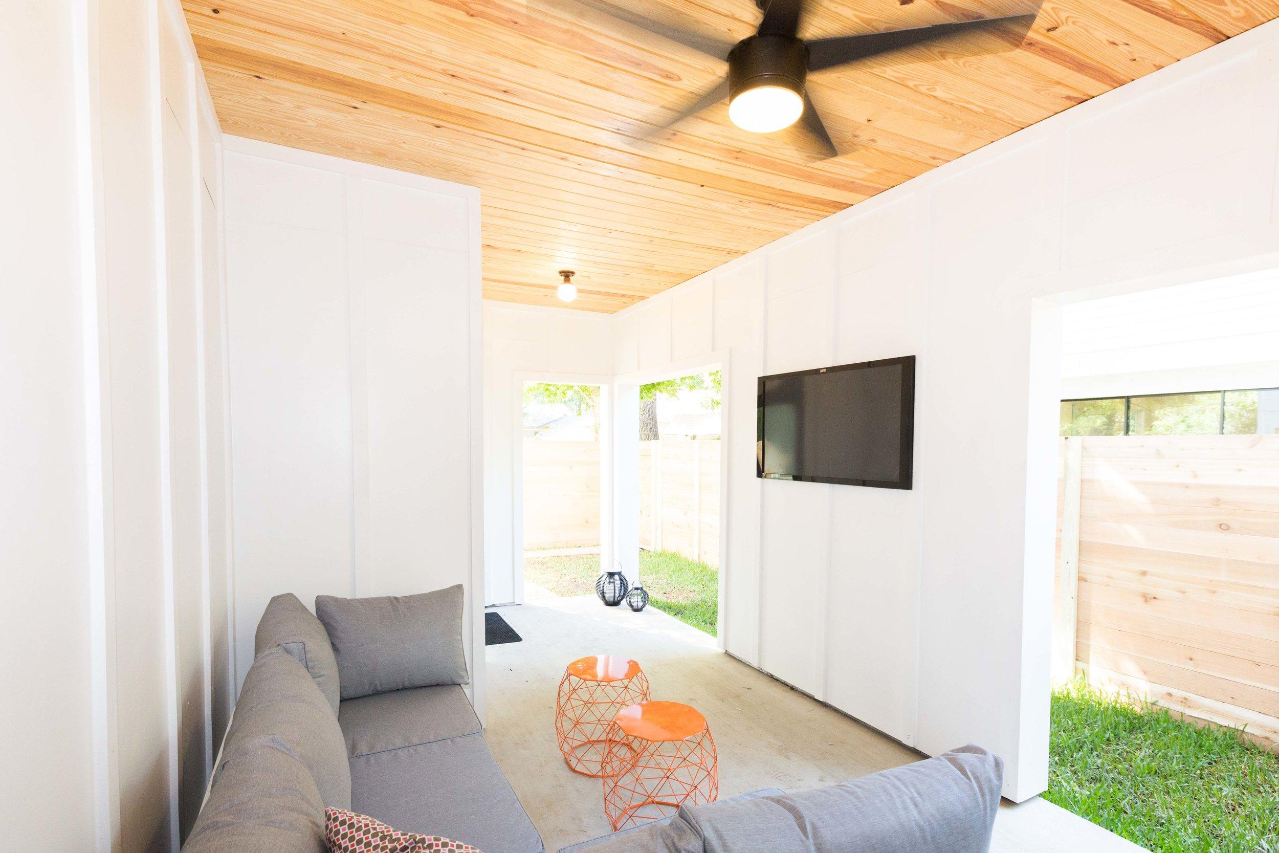 2504_WillowB_-_East_Austin_Alley_House_Modern_Cottage-9905[1].jpg