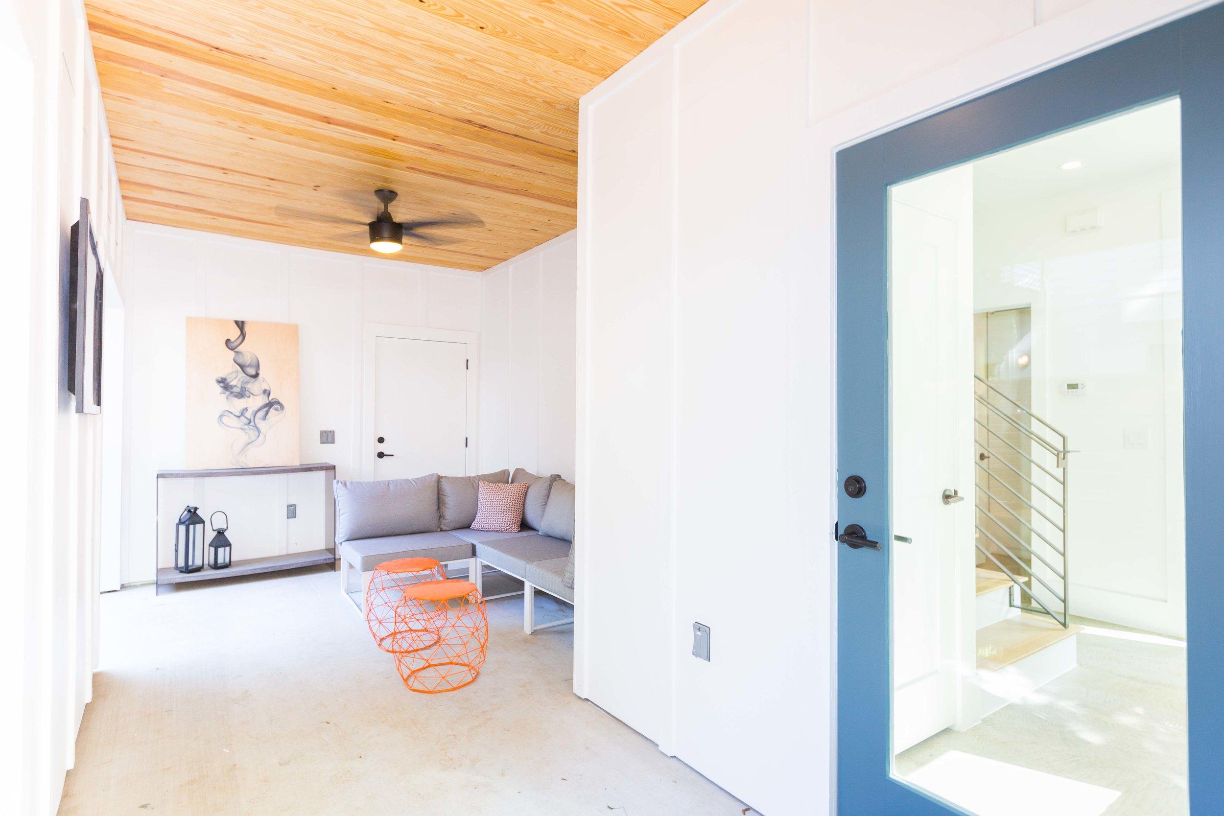 2504_WillowB_-_East_Austin_Alley_House_Modern_Cottage-9967[1].jpg
