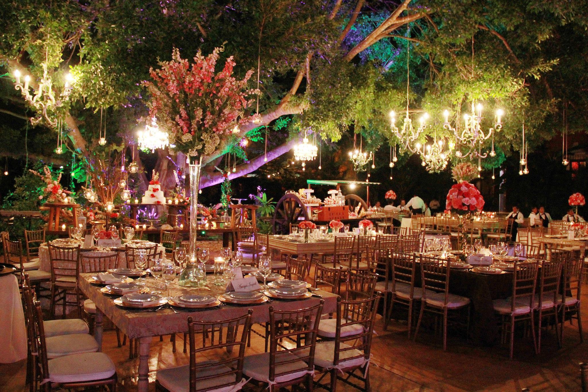 Wedding under tree ii.jpg