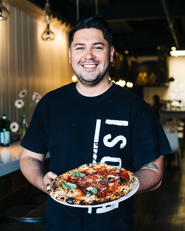 Hot pizza, big smiles. ⠀⠀⠀⠀⠀⠀⠀⠀⠀ .⠀⠀⠀⠀⠀⠀⠀⠀⠀ .⠀⠀⠀⠀⠀⠀⠀⠀⠀ .⠀⠀⠀⠀⠀⠀⠀⠀⠀ .⠀⠀⠀⠀⠀⠀⠀⠀⠀ . ⠀⠀⠀⠀⠀⠀⠀⠀⠀ #isolapizza #isolapizzabar #isolapizzasd #italianfood #sdeats #diningout #bestpizza #authenticitalian #lajolla #littleitalysd #sandiegoeats #yelpsd #youstayhungrysd #italian #pizza #coastcreative