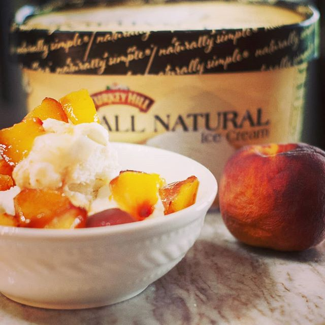 What's on YOUR counter? We're suckers for all things frozen. 🍨 Have you tried @turkeyhilldairy All Naturals?? O.M.G. Topped with Colorado peaches, 🍊 and we're talkin lip smackin good!! 👅😛 . . . . #icecream #peaches #coloradopeaches #turkeyhill #homemadeicecream #frozentreats #bowloficecream #toppings #coldtreat #cold #whatsonyourcounter #whatsonyourcountertop #granitecountertops #granitecounters #granite #heartlandgranite #hgq #topeka #topcity #forbesfield