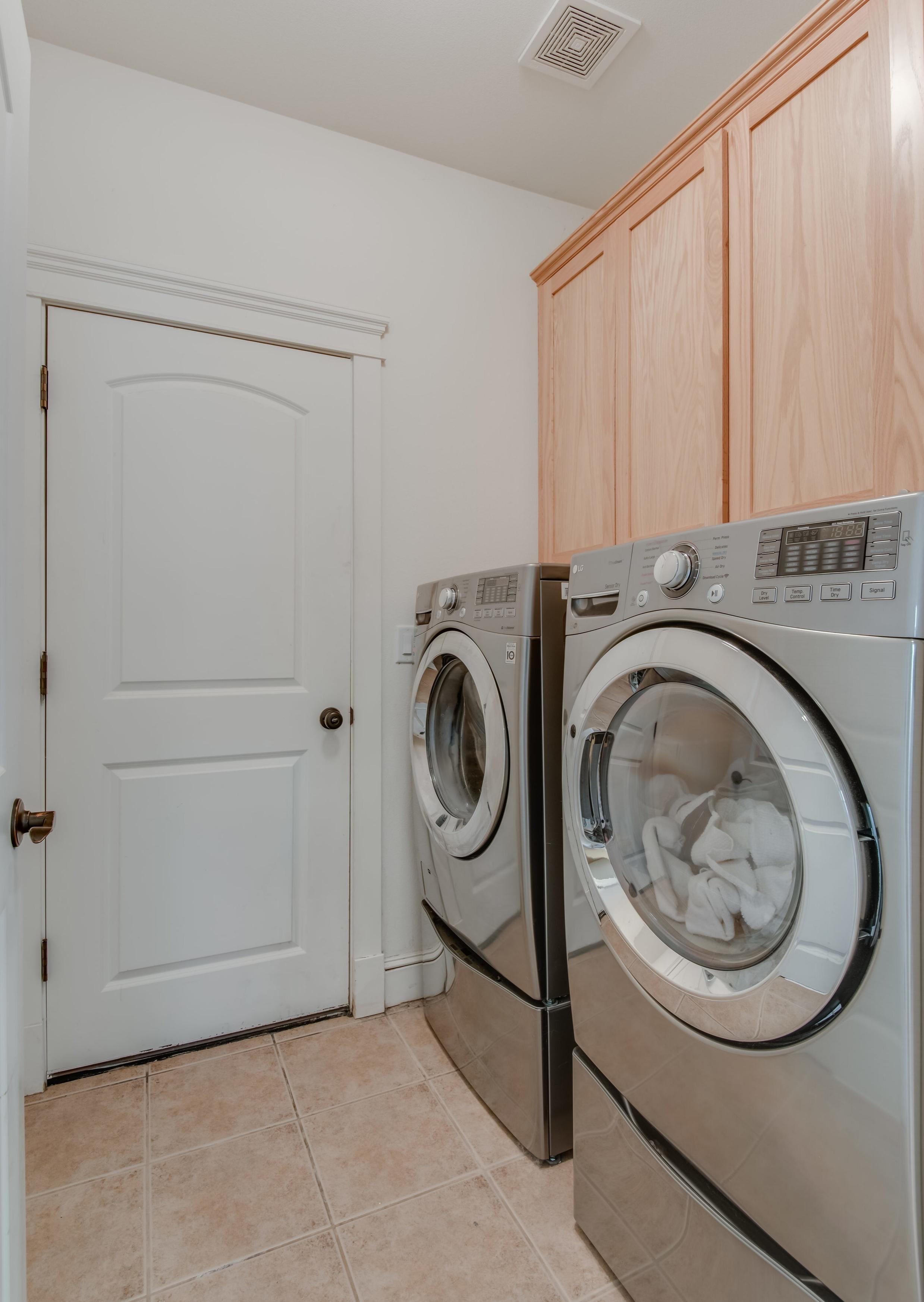 4161 SW 175th Ave Beaverton OR-print-018-25-Laundry-2804x4200-300dpi.jpg