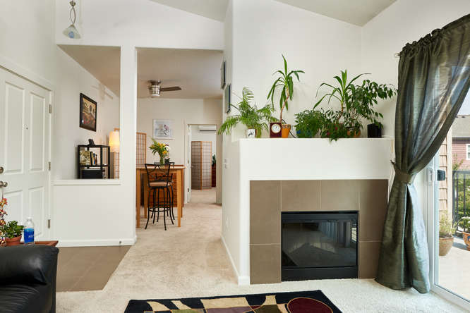 565+NW+Lost+Springs+Terrace-small-005-15-Living+Room-666x445-72dpi.jpg