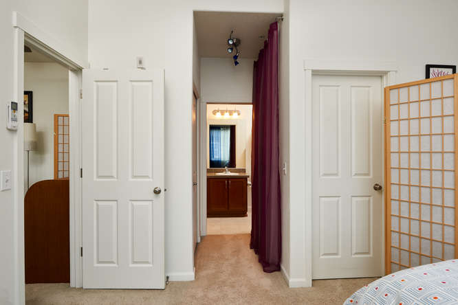 565+NW+Lost+Springs+Terrace-small-010-9-Master+Bedroom-666x445-72dpi.jpg