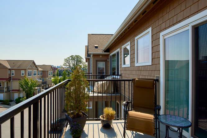565+NW+Lost+Springs+Terrace-small-014-2-Balcony-666x445-72dpi.jpg