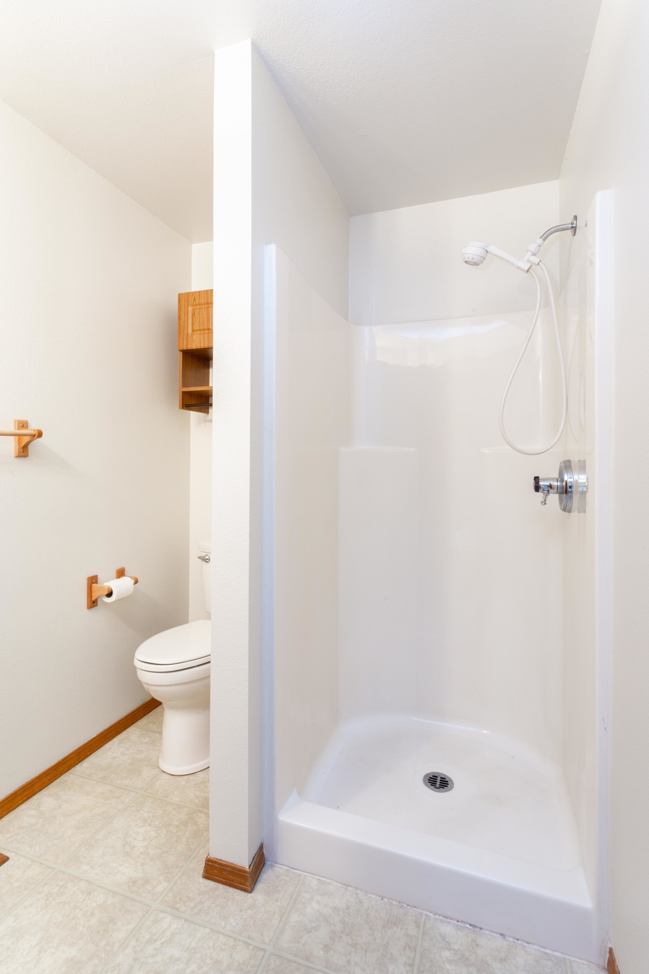 …and an extra full bath downstairs, too!