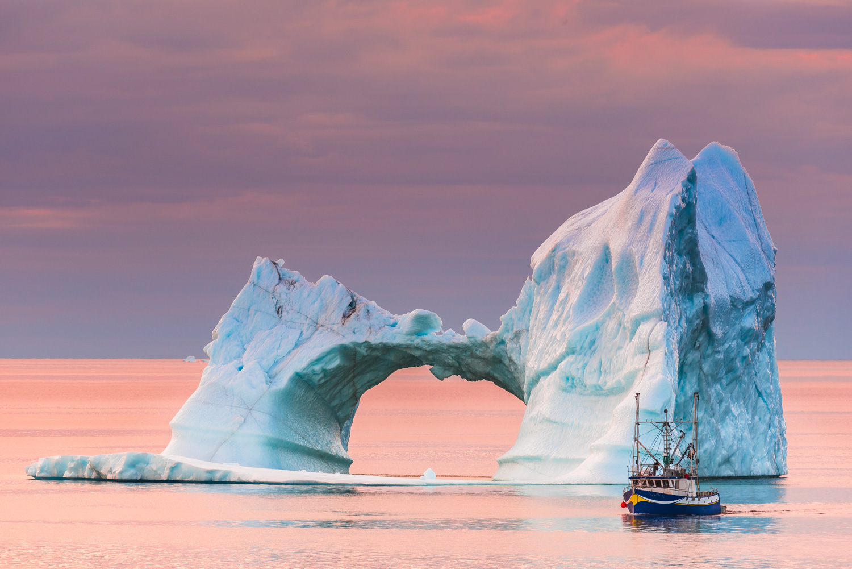 1 Twillingate Iceberg with Boat 2016 - 1500px.jpg