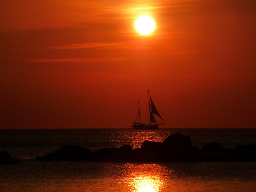 sea-dawn-sunset-ocean-large.jpg