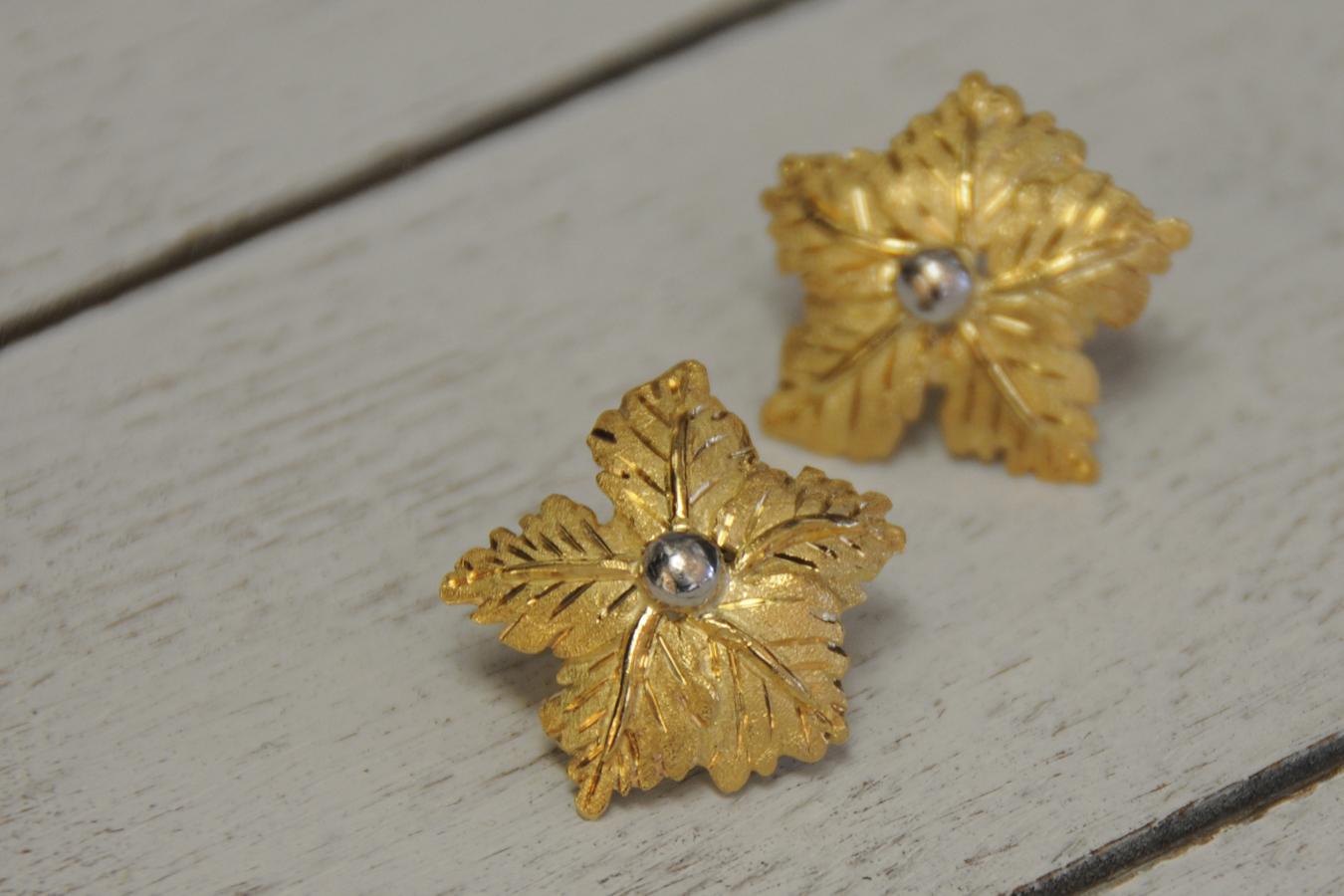 Two-toned Vintage Leaf Earrings