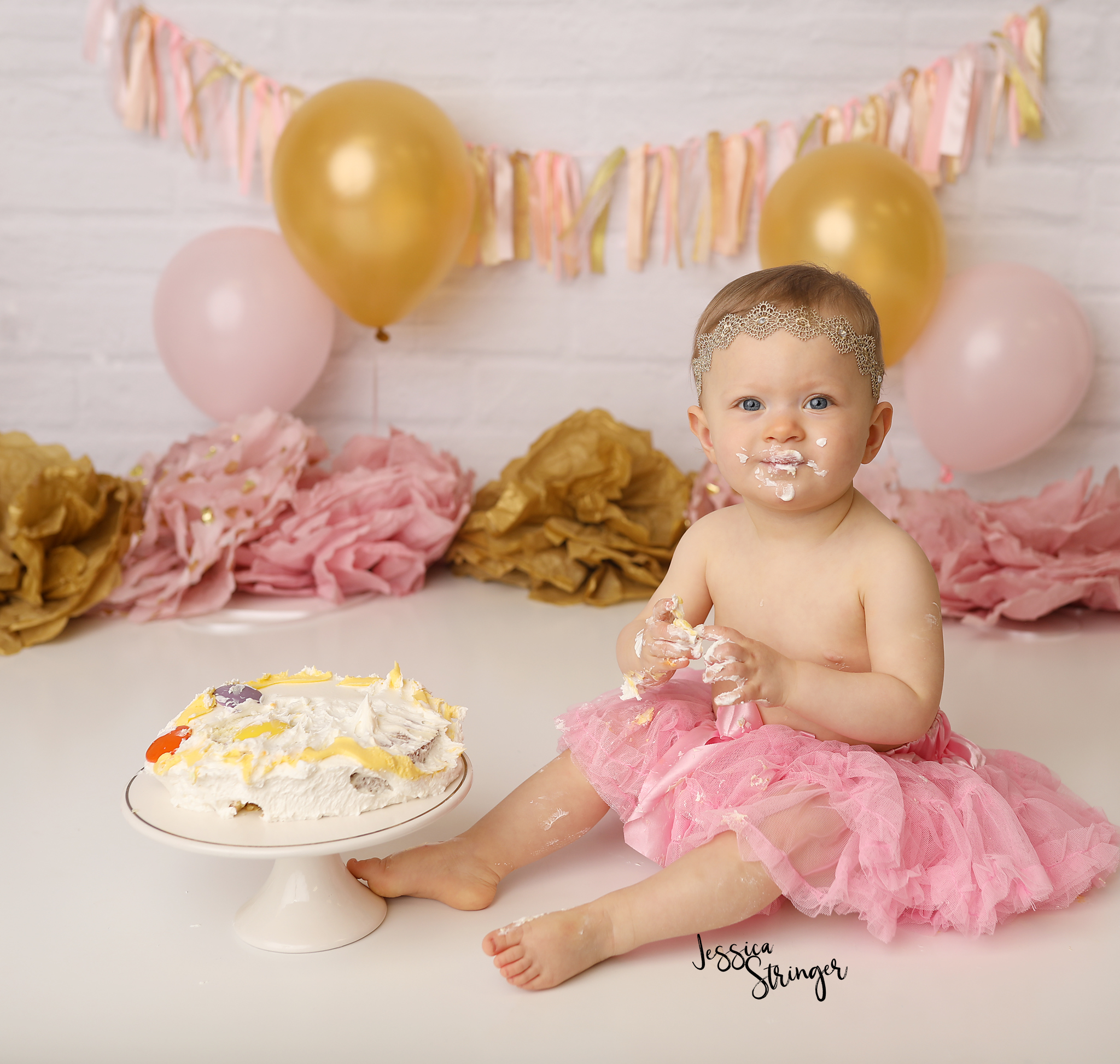 ROCHESTER NY FIRST BIRTHDAY BABY INFANT NEWBORN BEST PHOTOGRAPHER