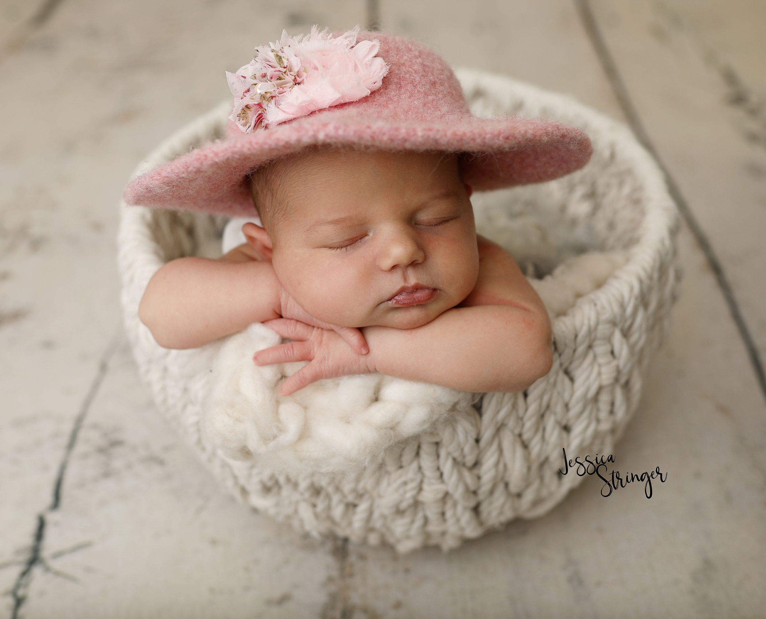 Rochester newborn photographers // photographers in rochester ny // infant baby first birthday photographers in rochester ny // baby photo ideas // newborn photo ideas /