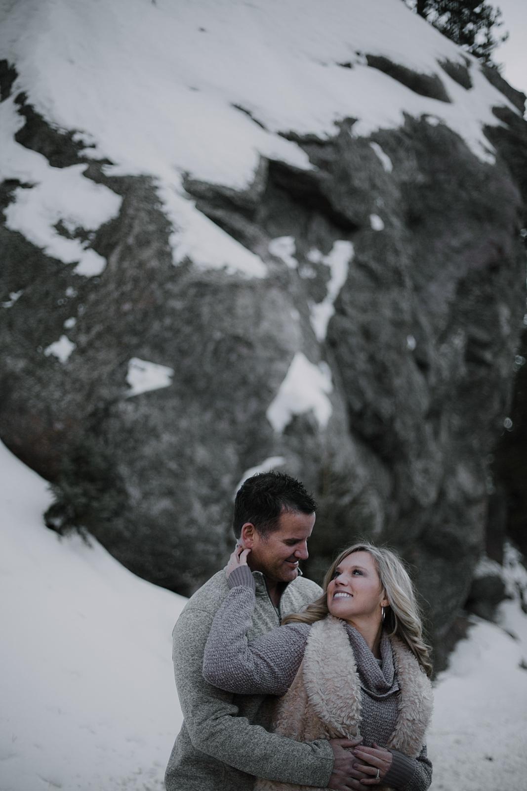 couple posing, colorado wedding photographer, colorado adventure session, colorado engagement session, red cliff wedding photographer, leadville wedding photographer